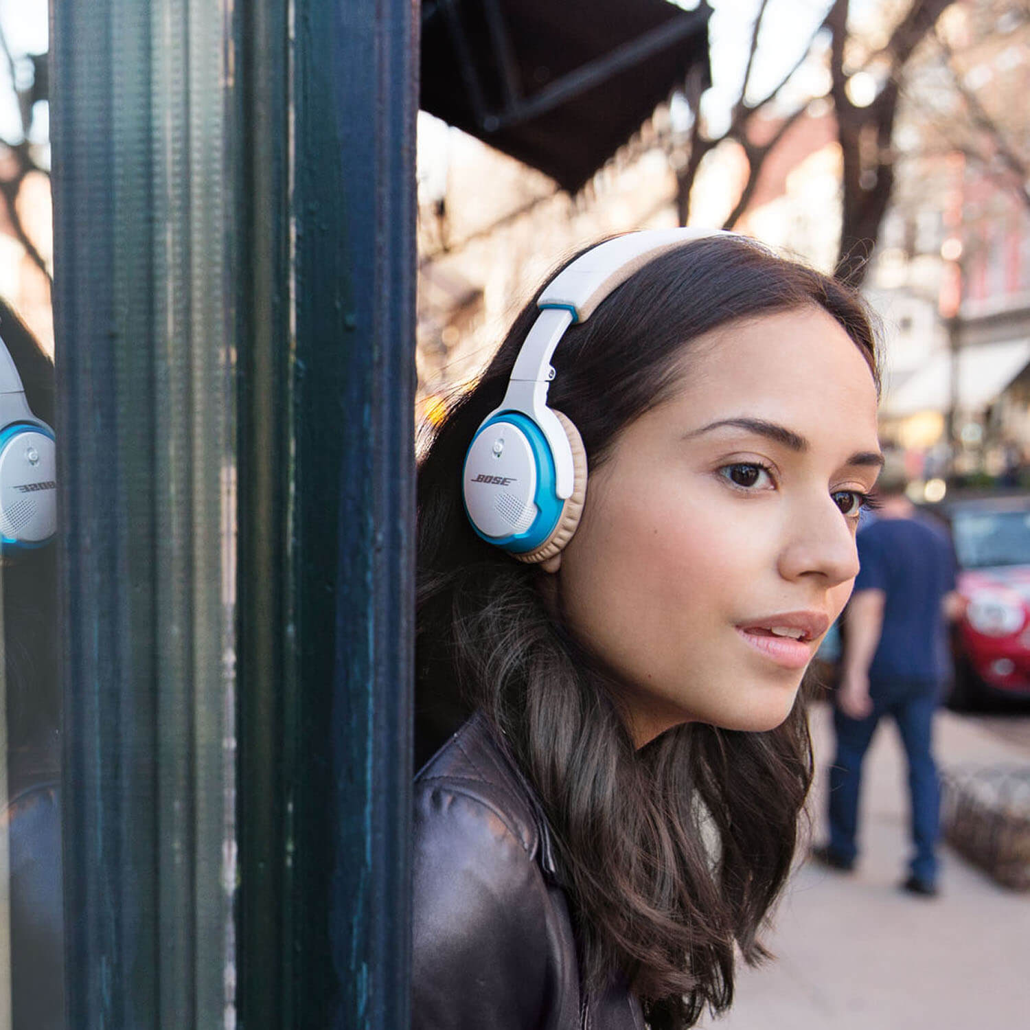 Bose On Ear Headphones Offer Superior Sound Quality L Shop In Miami